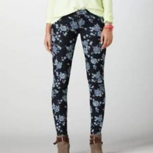 American Eagle Floral Jeggings